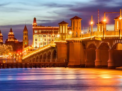 saint-augustine-old-city-florida-bridge-of-lions-restaurants-bed-breakfast-nightlife-george-street