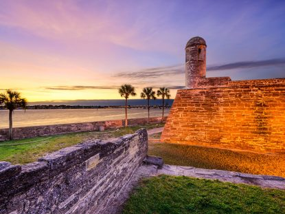 saint-augustine-old-city-florida-bridge-of-lions-restaurants-bed-breakfast-nightlife-george-street-old-fort