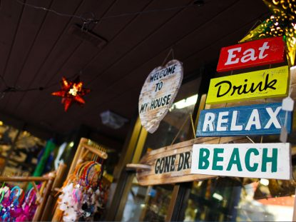 shopping-saint-george-street-best-pizza-in-america-augustine-florida
